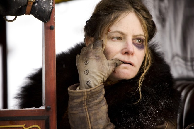 jennifer-jason-leigh-dans-the-hateful-eight-11442321lzdvs.jpg